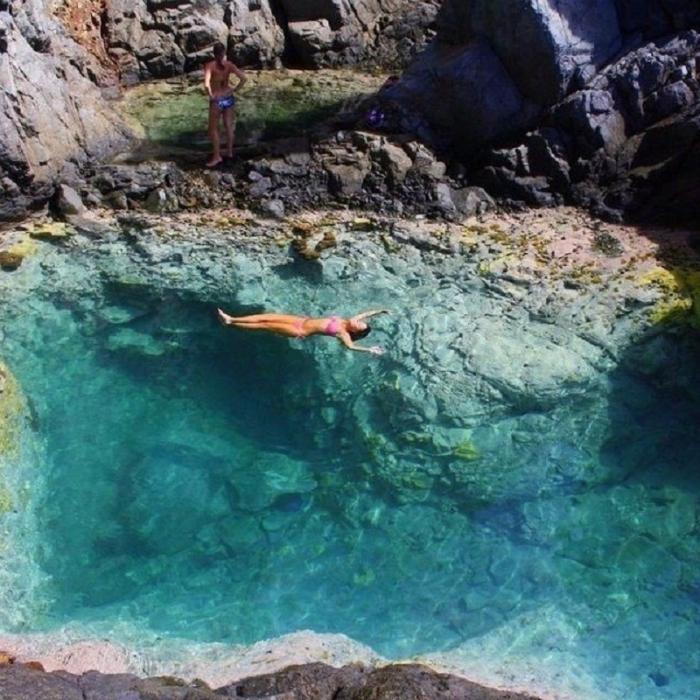 Естественный бассейн в Карибском море.