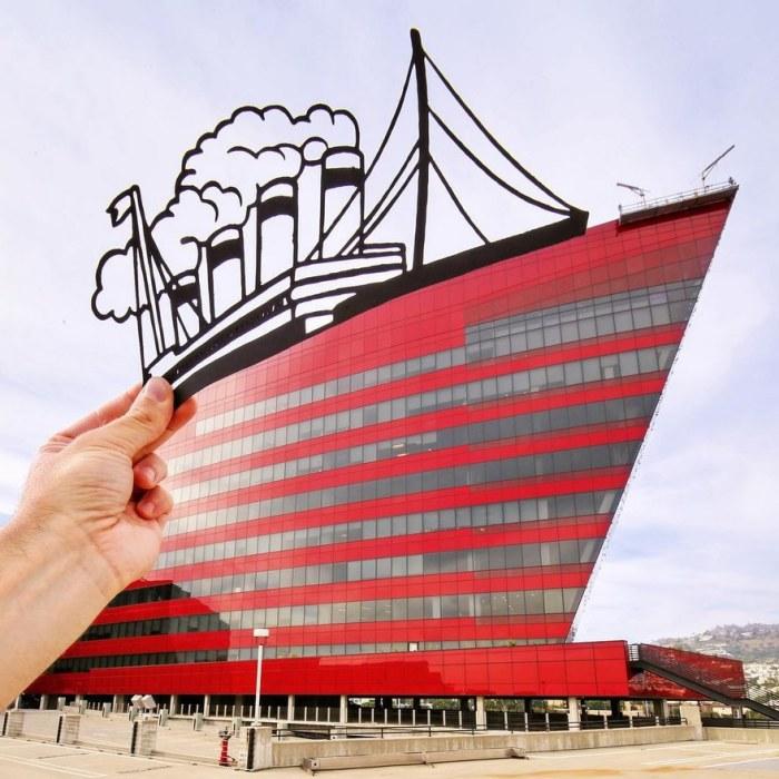 Великолепный корабль над комплексом «Пасифик-Дизайн-центр»