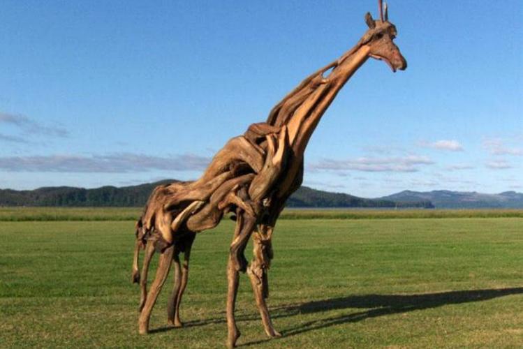 Превосходные скульптуры из обыкновенных коряг