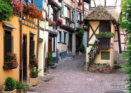 Улица в коммуне Эгисхайм (Eguisheim), Франция