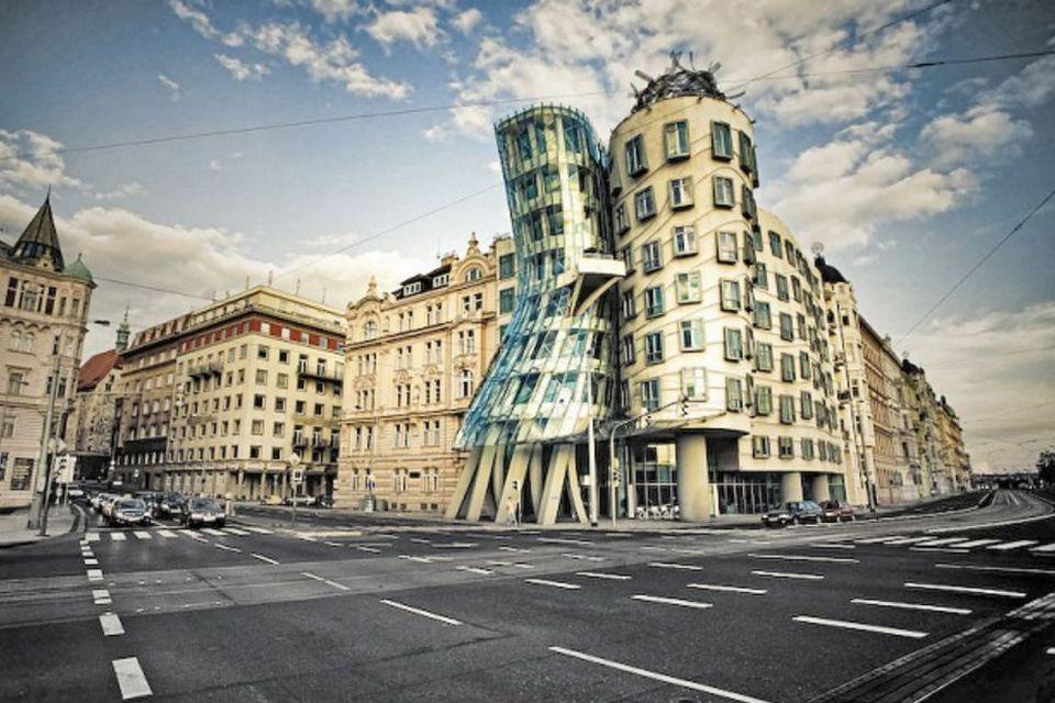 Танцующий дом (Прага, Чехия)