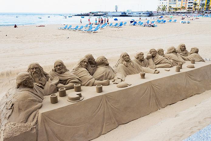 Великолепная песчаная скульптура «Тайная вечеря»