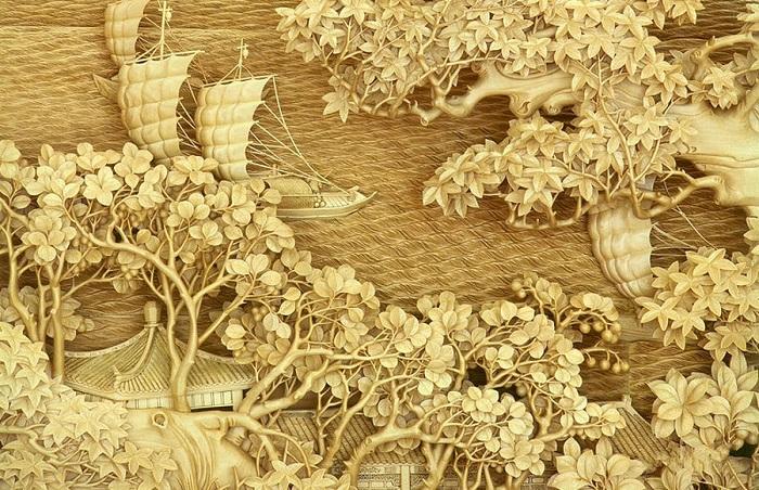 Элегантная рельефная резьба по дереву.