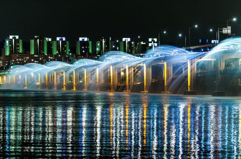 Фонтан «Лунная радуга», Сеул, Южная Корея