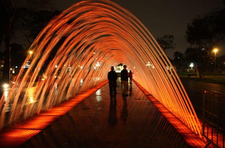 Фонтан «Тоннель сюрпризов», Лима, Перу