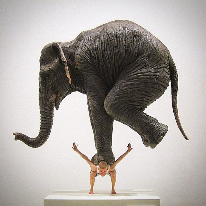 Знаменитая скульптура Фабиана Мереля.