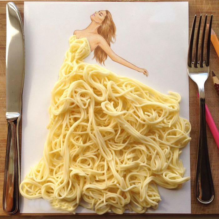 Соблазнительное платье из спагетти