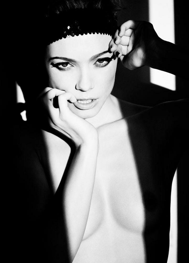 Динамичная красота в эротичных фотографиях Саймона Бродзиака_28