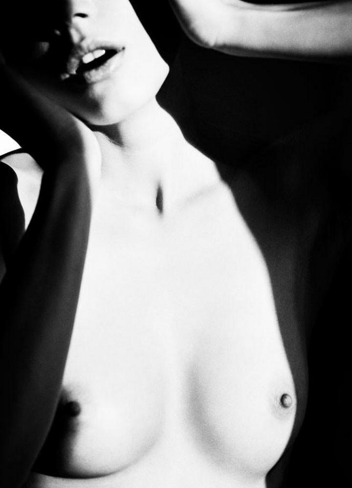 Динамичная красота в эротичных фотографиях Саймона Бродзиака_29