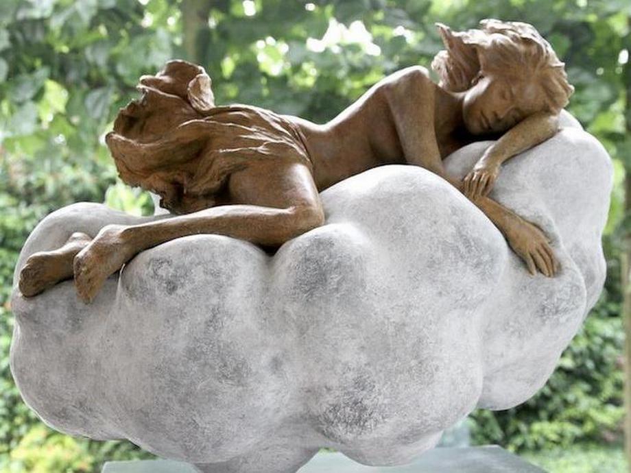kitajskij-skulptor-lepit-zhenshhin1053