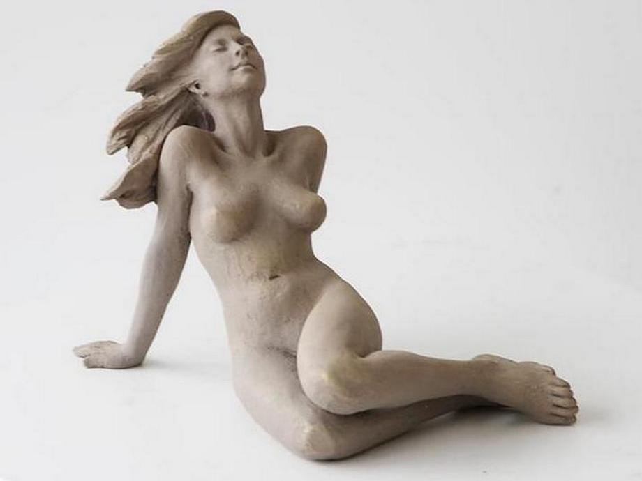 kitajskij-skulptor-lepit-zhenshhin1079
