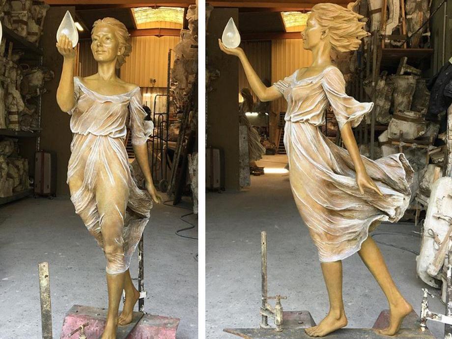 kitajskij-skulptor-lepit-zhenshhin829