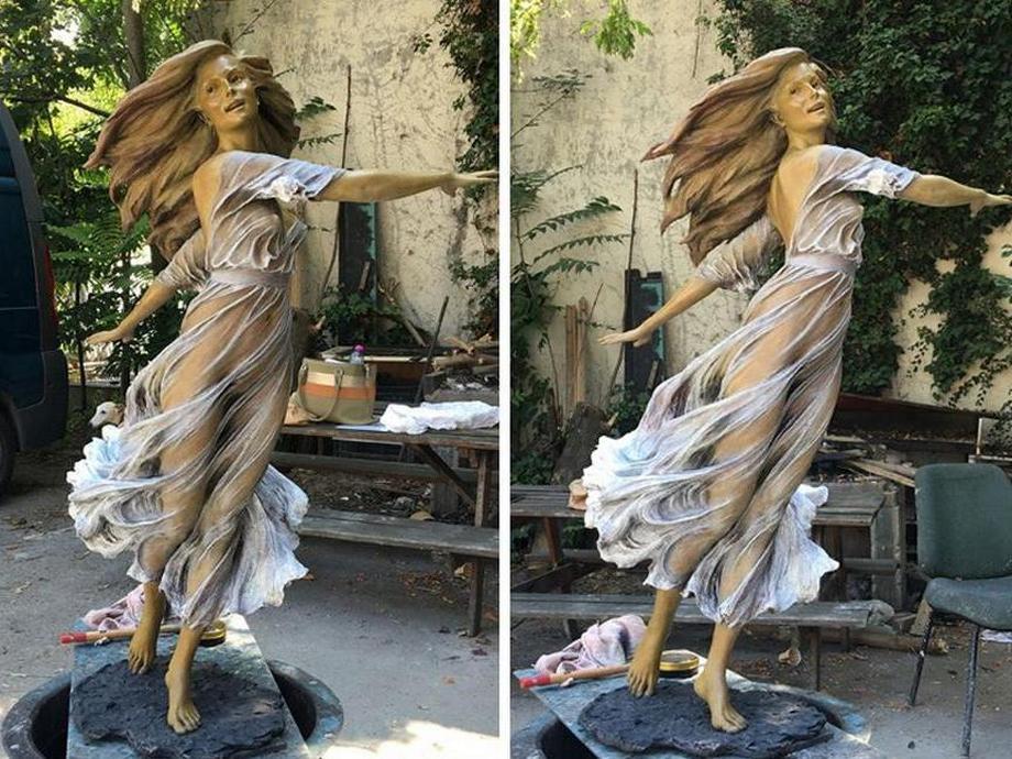 kitajskij-skulptor-lepit-zhenshhin861