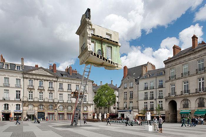 «Окончательный переезд», Леандро Эрлих, Франция