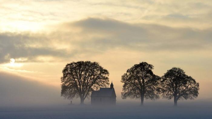 Германская церквушка в ледяных оковах