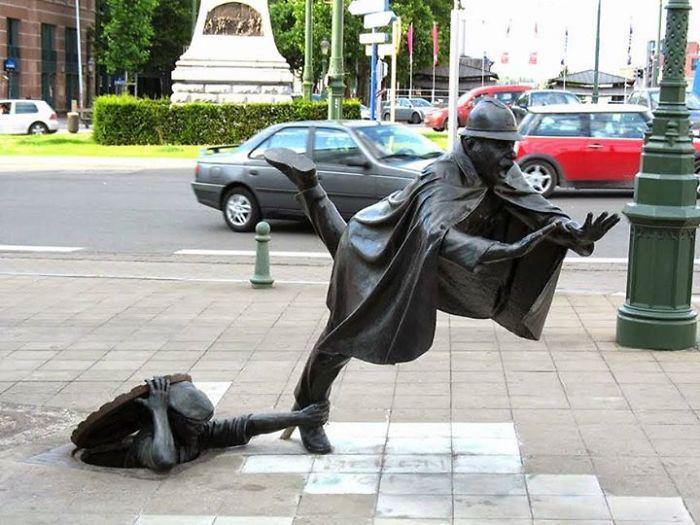 «Шутка над полицейским», Том Францен, Брюссель, Бельгия