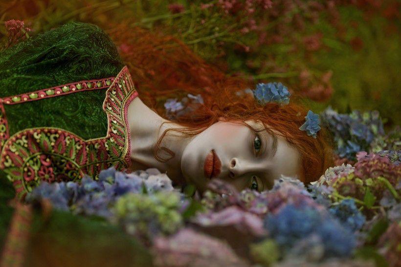 таинственные женские образы Агнежки Лорек