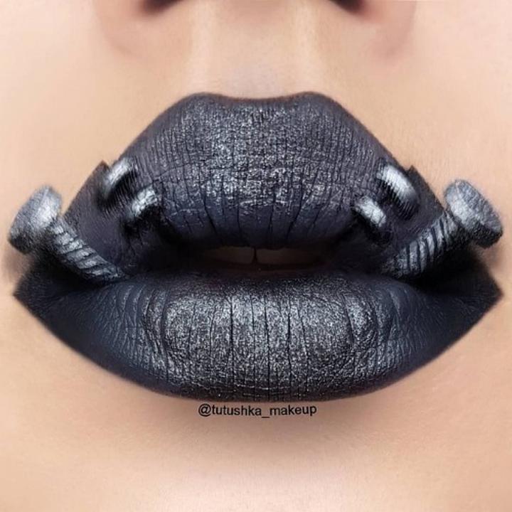 Визажист превращает губы в произведения искусства2728