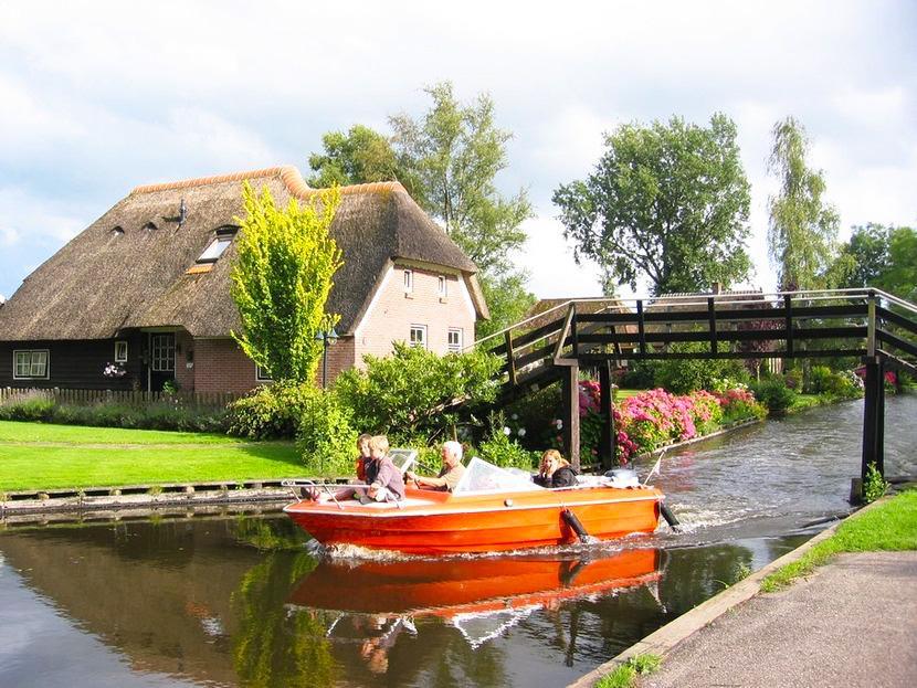Голландская деревенька Гитхорн - вот так выглядит рай на земле