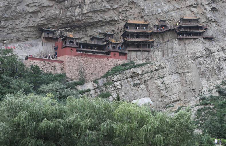 Висящий храм горы Хенг