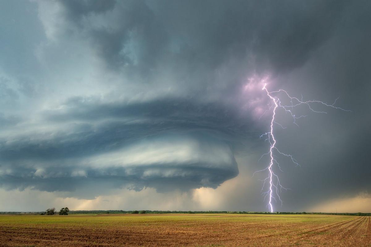 Облако суперячейка в юго-западной Оклахоме, США. Автор: Дэнис Освальд.