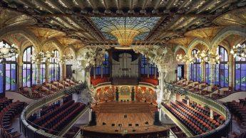 Палау де ла Musica Catalana в Барселоне, Испания