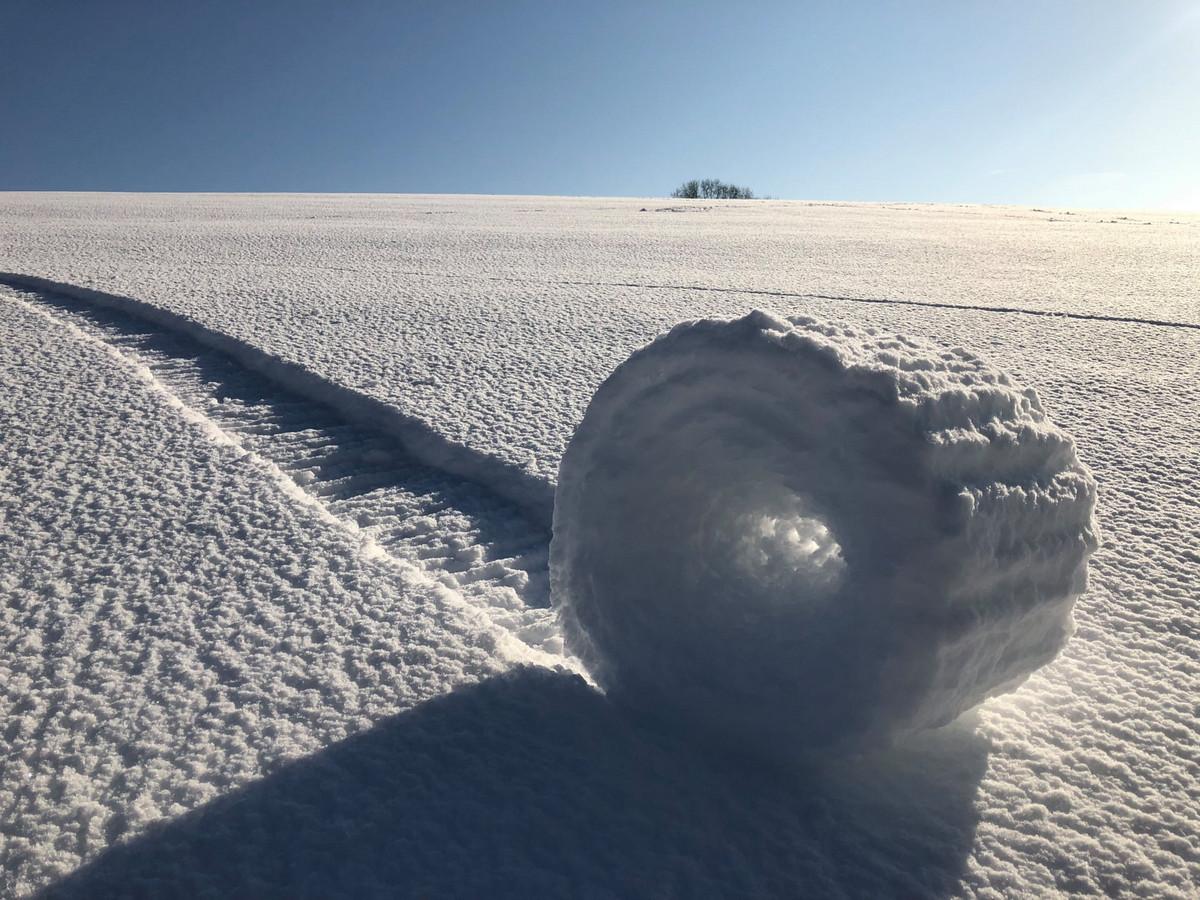 Снежный валик в Уилтшире. Автор: Брайан Бэйлисс.