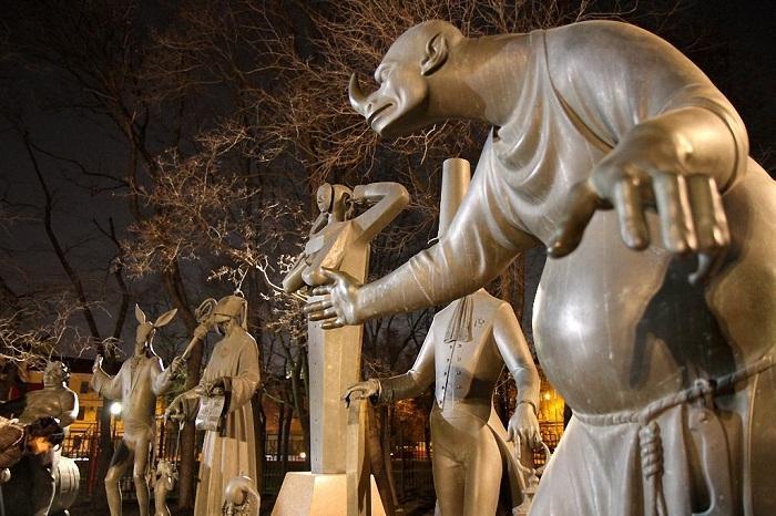 Дети — жертвы пороков - Скульптура Михаила Шемякина.