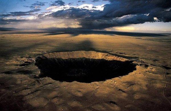 Красоты Земли с высоты - Кратер в штате Аризона, США
