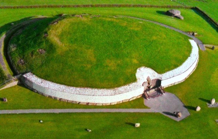 Ньюгрейндж, Ирландия - Места на планете, овеянные мистикой и легендами
