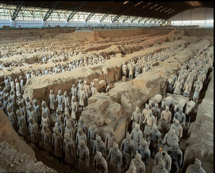 Терракотовая армия китайского императора Цинь Шихуанди. | Фото: thevintagenews.com.