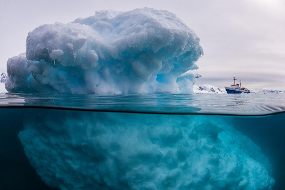 Айсберг под водой